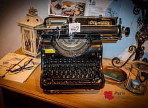 Machines à écrire du marché aux puces